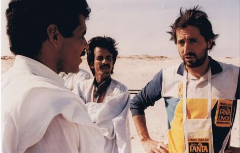 Miguel Prieto conversa con Aborigen Dakar 1987